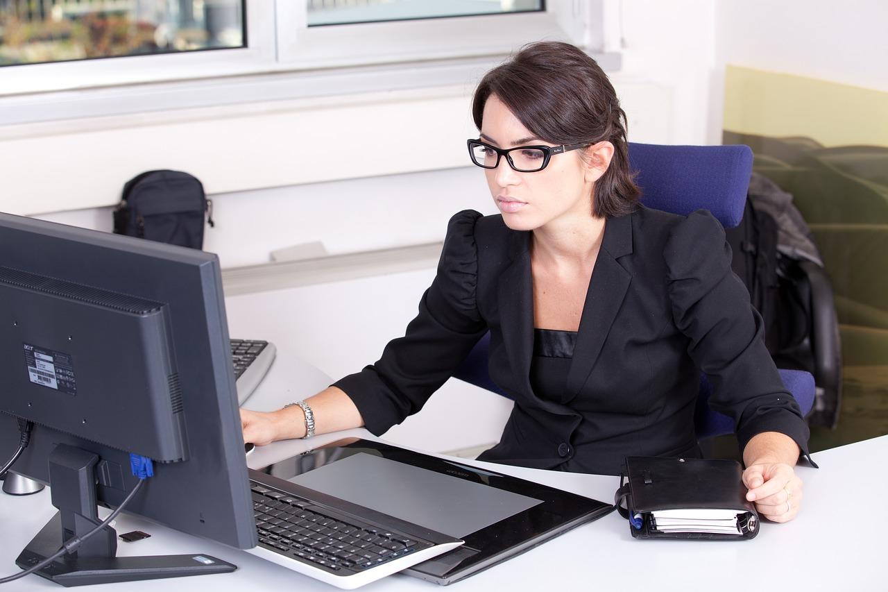 Dress code rynku zatrudnienia, czyli jak ubrać się na rozmowę kwalifikacyjną