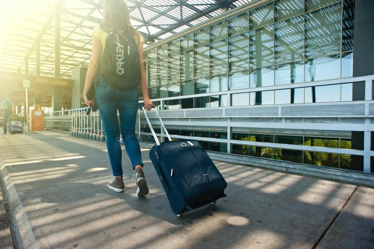 Walizki samolotowe jako sposób na uniknięcie dodatkowych opłat