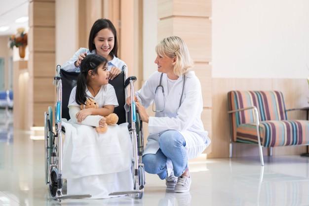 Komu i kiedy przysługuje świadczenie rehabilitacyjne?